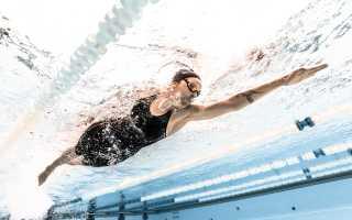 Какие мышцы качаются при плавании